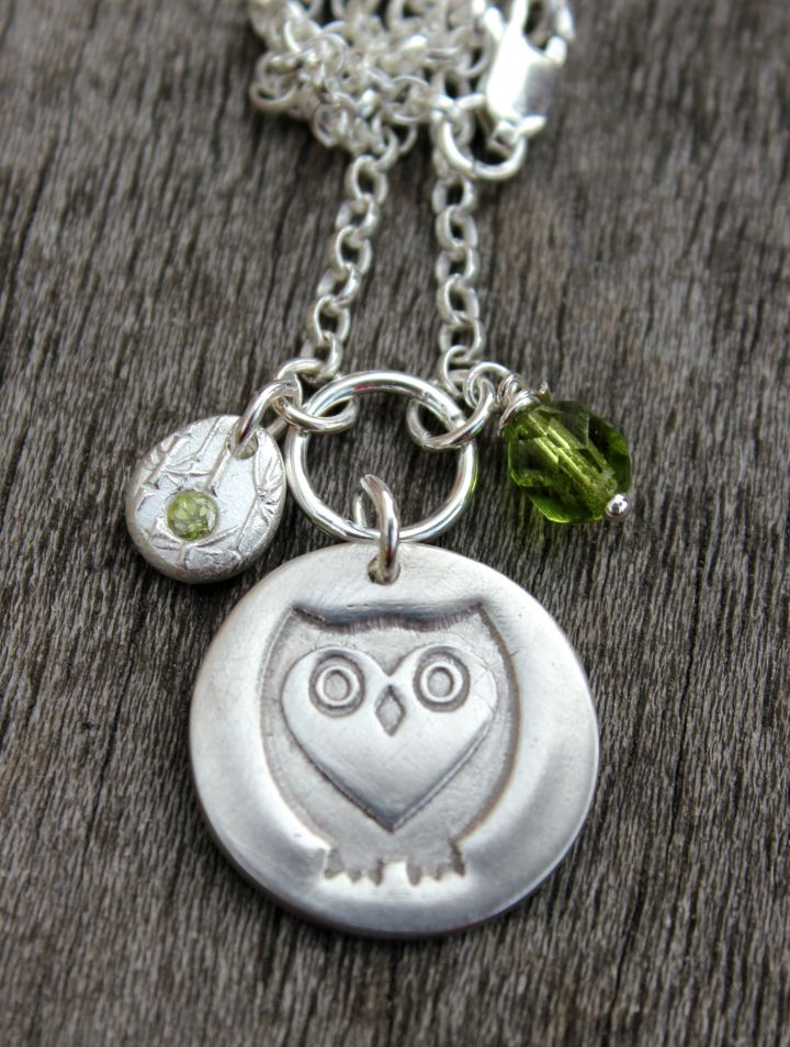 Silver owl pendant with peridot birthstone pebble thinner chain
